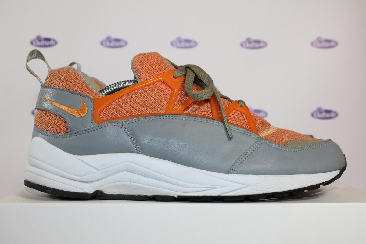 free shipping 1a2b6 97040 Nike Air Huarache Light Stussy Orange '03