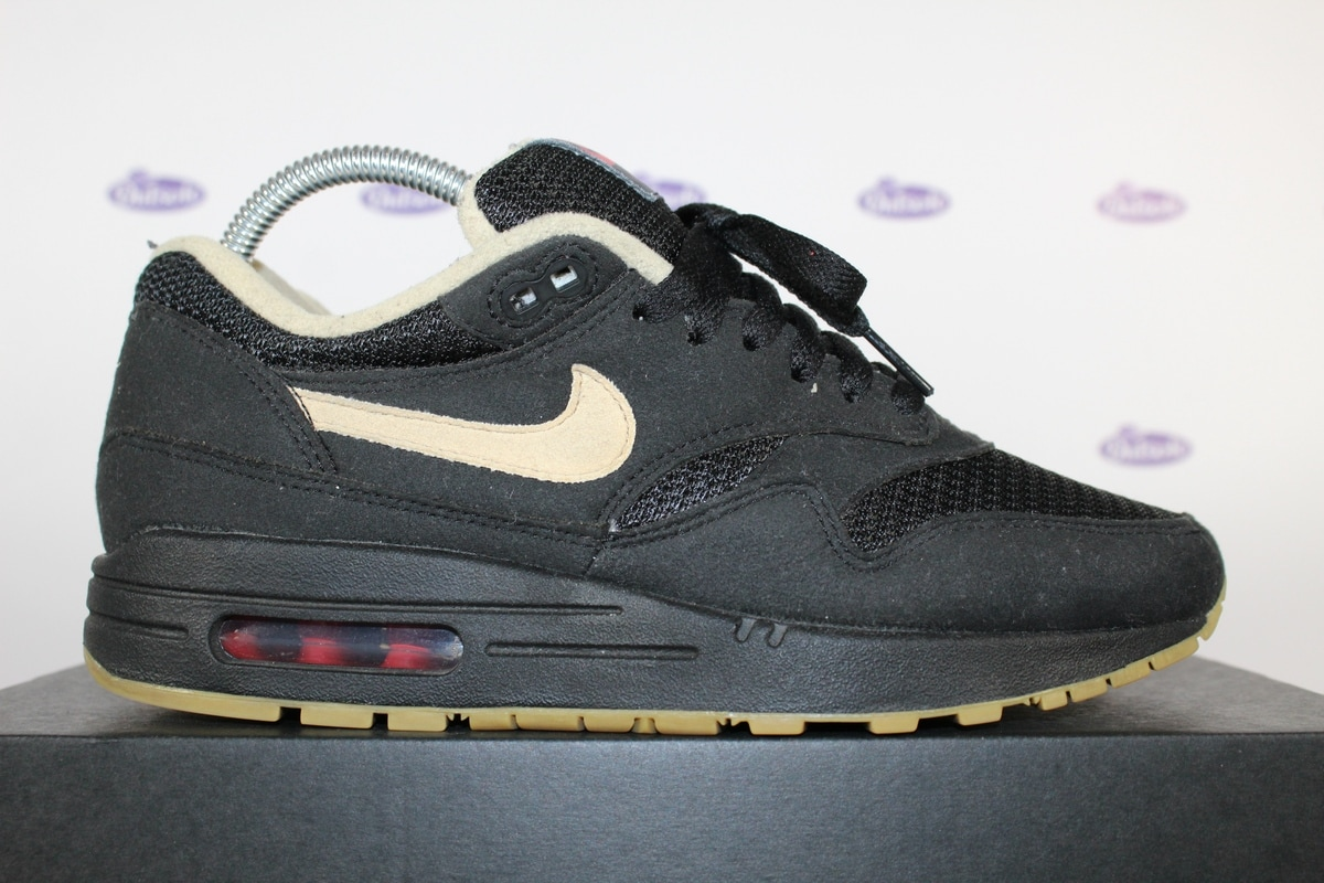 nike air max 1 beige black