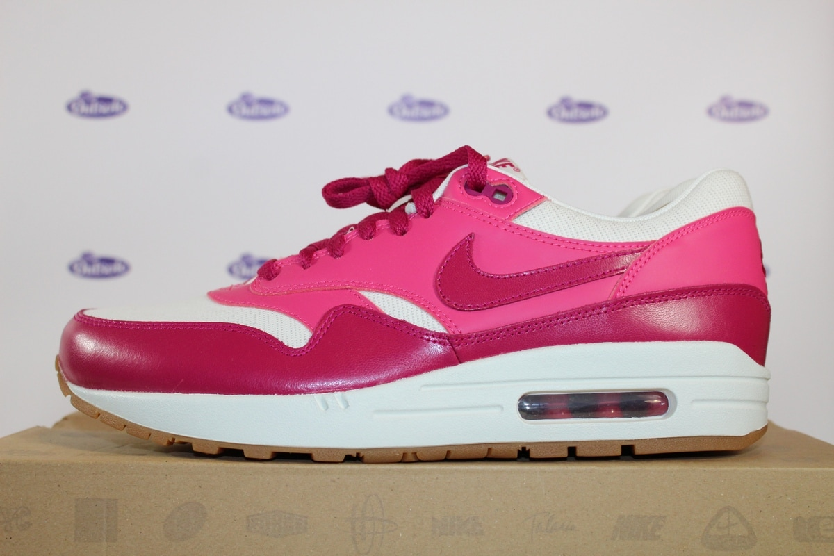 wholesale dealer 0a0ff c7ddc Nike Air Max 1 VTG Sport Fuchsia