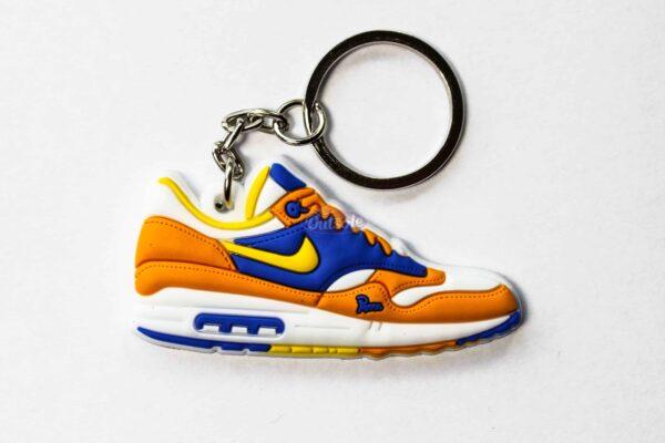 nike air max 1 keychain albert heijn parra 1 600x400 - Nike Air Max 1 Albert Heijn keychain