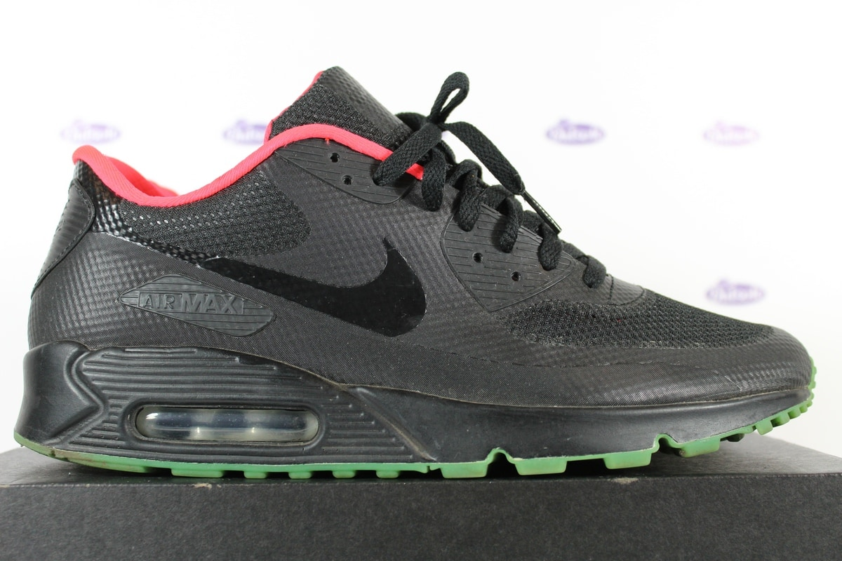 new products b15b6 15da9 Nike Air Max 90 Hyperfuse ID Yeezy