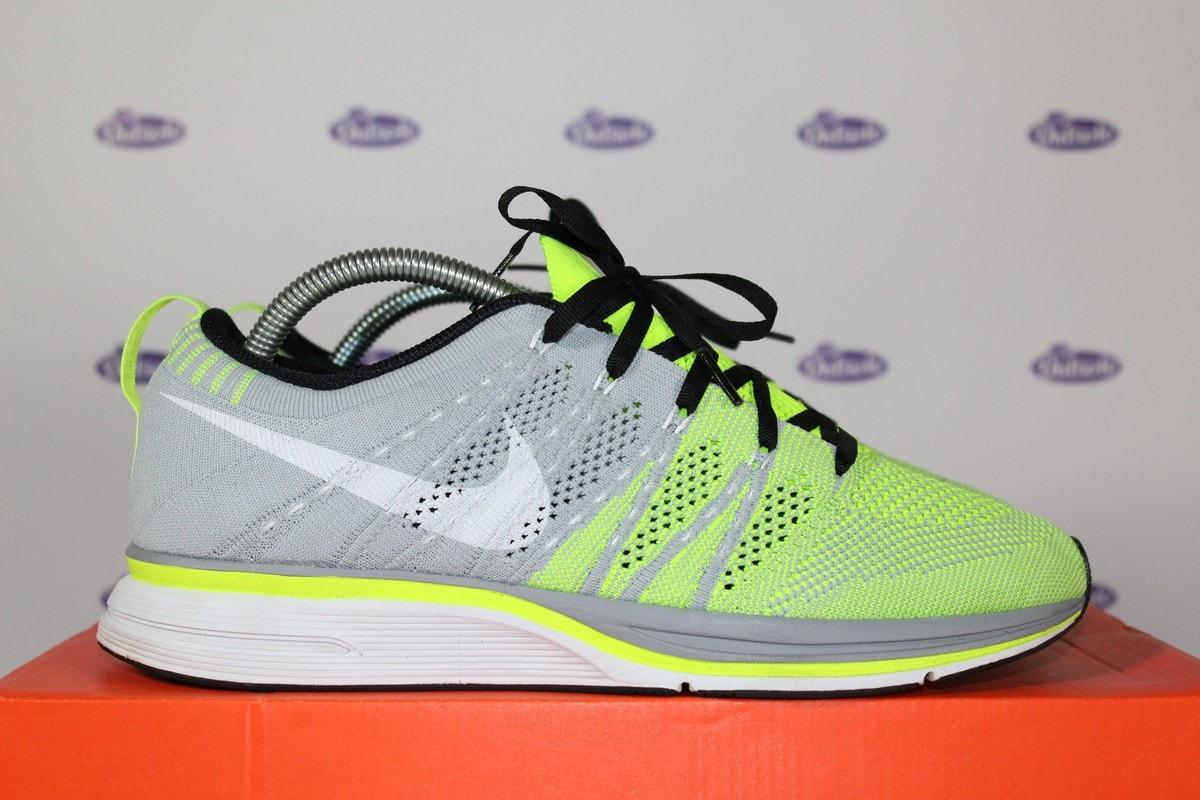 d3f956493536 Nike Flyknit Trainer+ Volt Grey