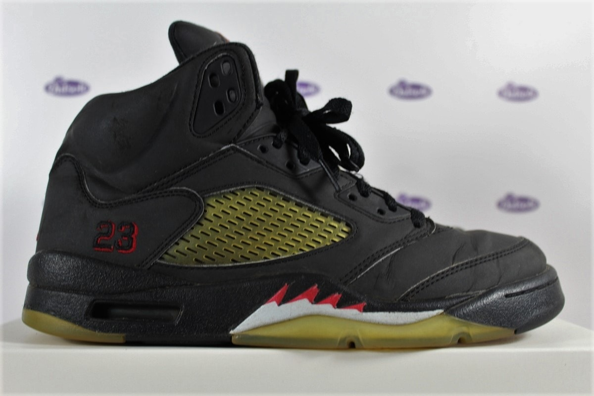 newest ddfe5 74b48 Nike Air Jordan 5 DMP Raging Bull 42 5 5 600x400 - Nike Air Jordan 5