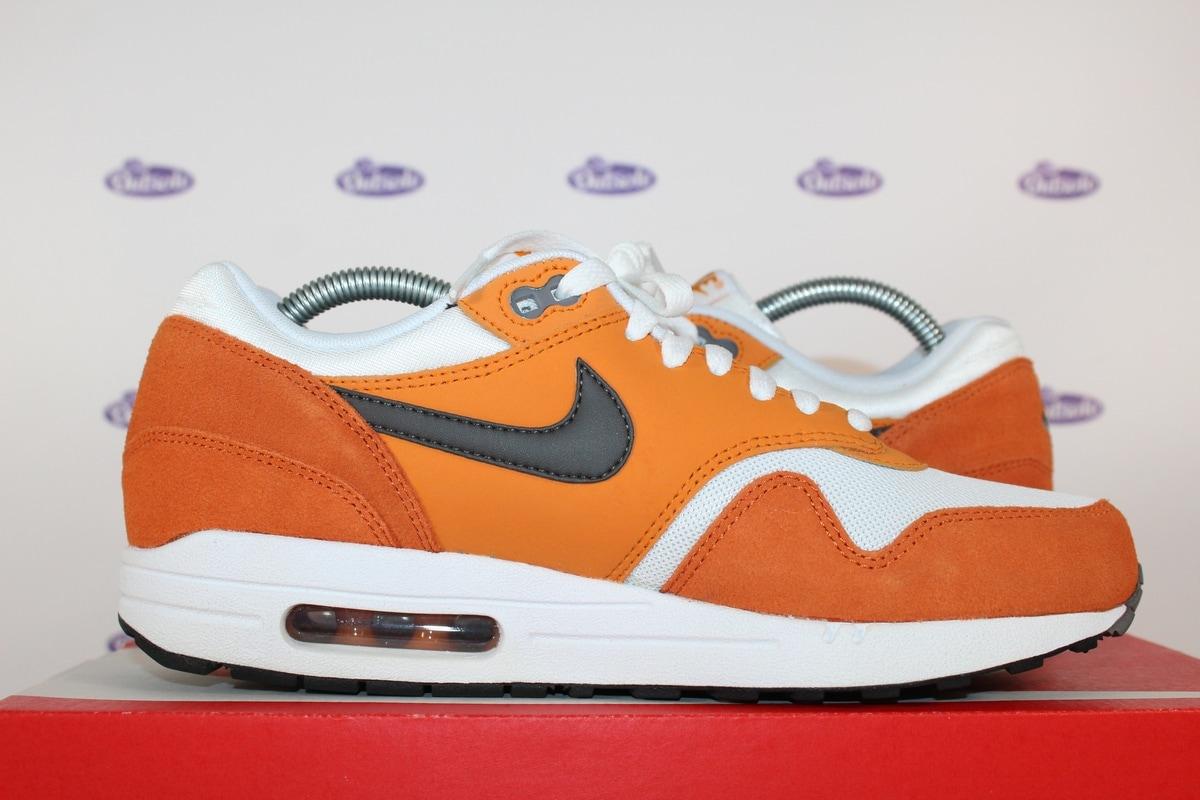 watch 41f3b 82187 Nike Air Max 1 Essential Curry