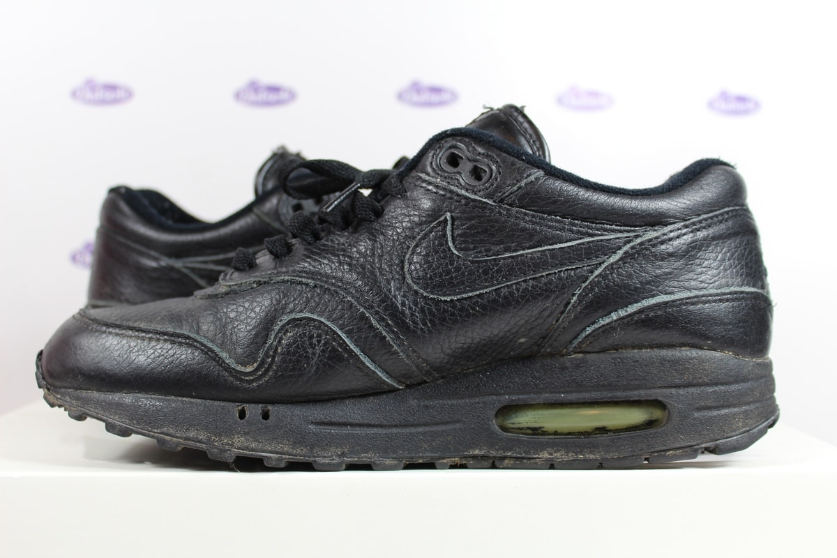 all black leather air max