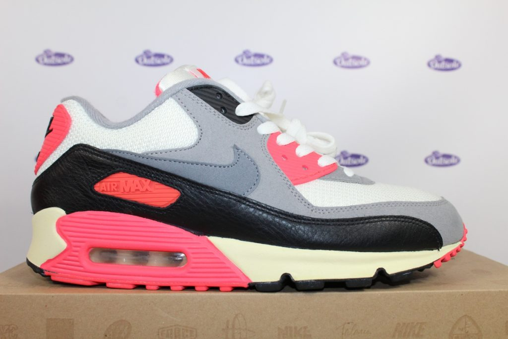 Nike Air Max 90 OG Infrared 12 42 5 4 1024x683 - What length shoelaces do I need for my sneakers?