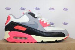 Nike Air Max 90 laces