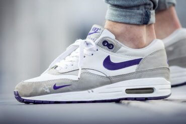 Nike Air Max 1 WMNS Grape vs MEN womens men Outsole 370x247 - What are the differences between men's and women's sneakers?