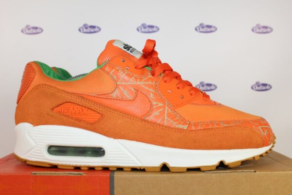 Nike Air Max 90 State Homegrown FF Hyperstrike 43 5 600x400 - Nike Air Max 90 State Homegrown F&F Hyperstrike