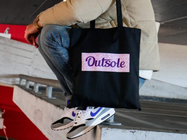 Outsole tote bag Elephant Purple Pink Black 6 4 600x451 - Outsole tote bag - Black