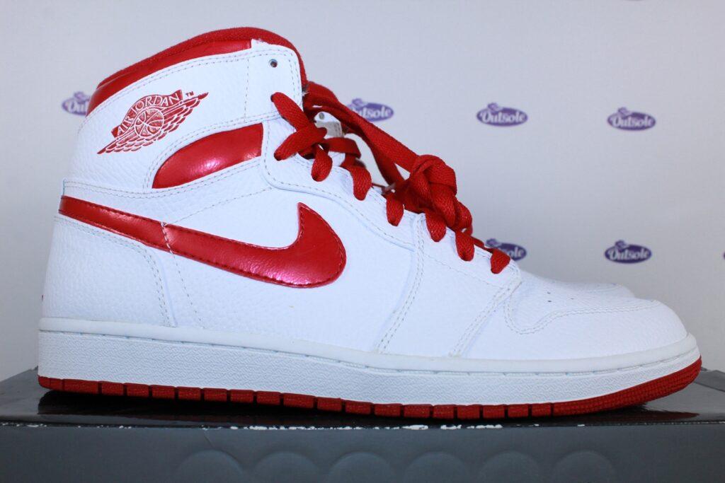 Nike Air Jordan 1 Retro High Do The Right Thing Red 445 4 1024x683 - ✓ Blog: Welke lengte veters heb ik nodig voor mijn Nike sneakers?