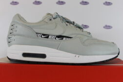 nike air max 1 se just do it light silver 42 445 1 252x167 - Nike Air Max 1 SE Just Do It Light Silver
