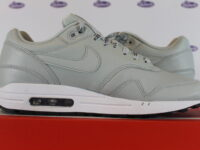 nike air max 1 se just do it light silver 42 445 5 200x150 - Nike Air Max 1 SE Just Do It Light Silver