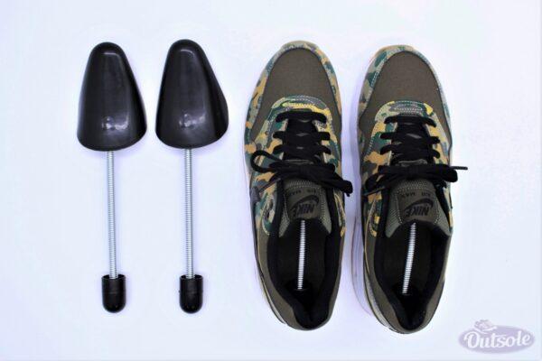 Premium Outsole Shoe Tree Black 5 600x400 - Premium black plastic Outsole shoe tree