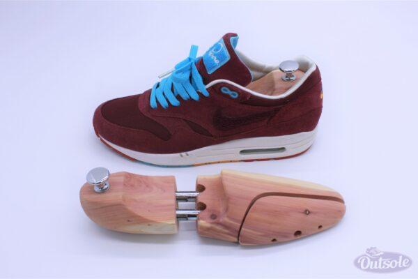 Premium Outsole Shoe Tree Cedar Wood 3 600x400 - Premium cederhouten Outsole schoenspanner