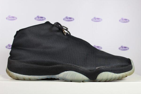 Nike Air Jordan Future Black Clear 425 2 600x400 - Nike Air Jordan Future Black Clear