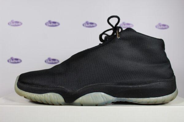 Nike Air Jordan Future Black Clear 425 4 600x400 - Nike Air Jordan Future Black Clear