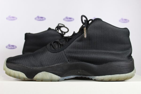 Nike Air Jordan Future Black Clear 425 6 600x400 - Nike Air Jordan Future Black Clear