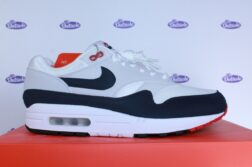 Nike Air Max 1 Anniversary OG Obsidian 425 2 252x167 - Outsole