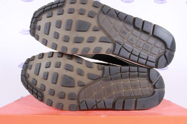 Nike Air Max 1 Premium SP Hold Tight Ben Drury DS 3 600x400 - Nike Air Max 1 Premium SP Hold Tight Ben Drury